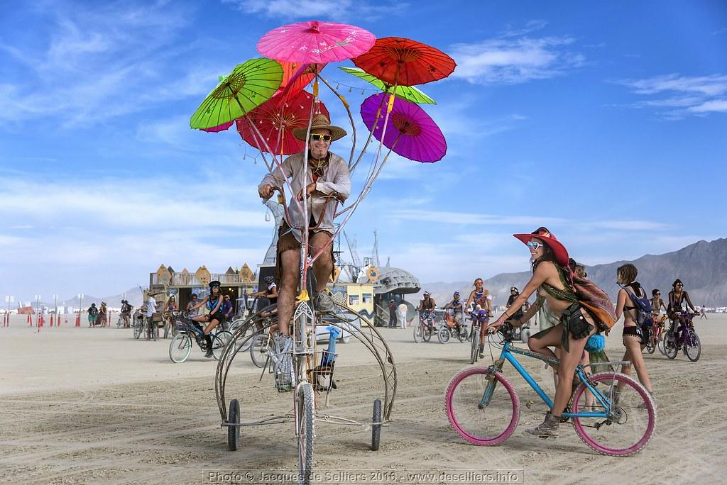 parasol art bike 2 j81 09166 ps5 sculptor gustav. Black Bedroom Furniture Sets. Home Design Ideas