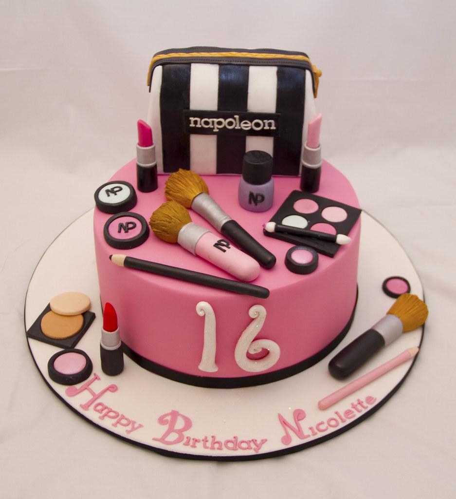 Simple Makeup Cake Design : Makeup cake www.facebook.com/koulacakecreations Koula ...