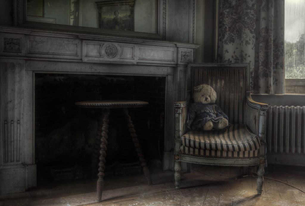 Room In A Abandoned House Wallpaper