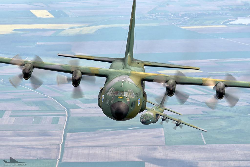 RoAF C130 Hercules in zbor 17374722478_9167845691_b
