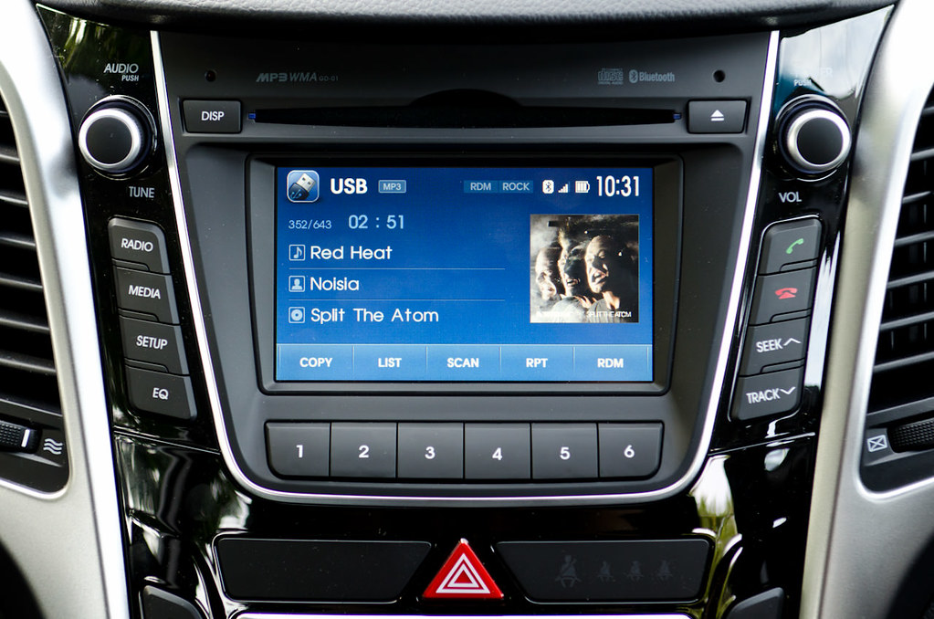 2013 hyundai i30 radio well i 39 ve done a few hundred. Black Bedroom Furniture Sets. Home Design Ideas