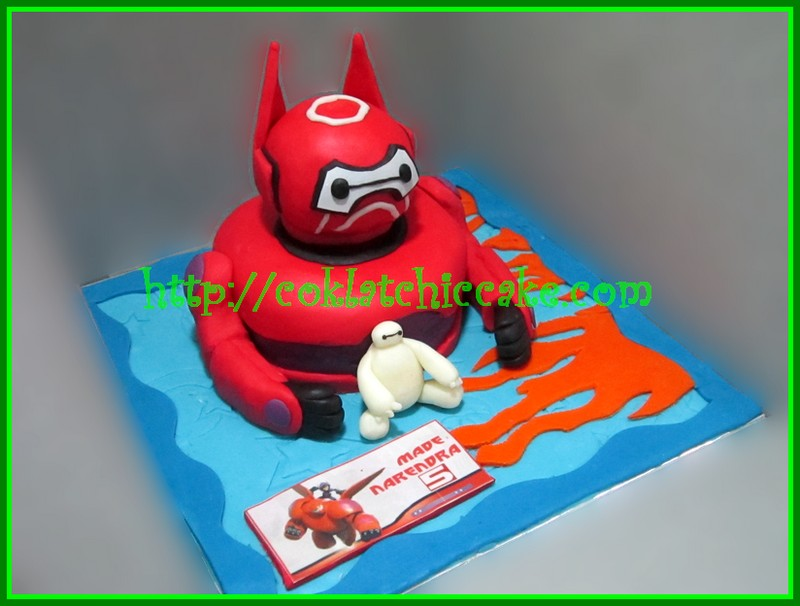 Miniature cake Big Hero 6