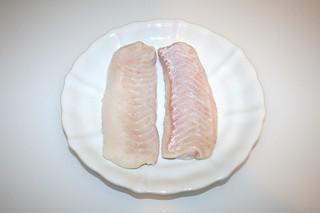 11 - Zutat Steinbeißer-Filet / Ingredient spined loach filet