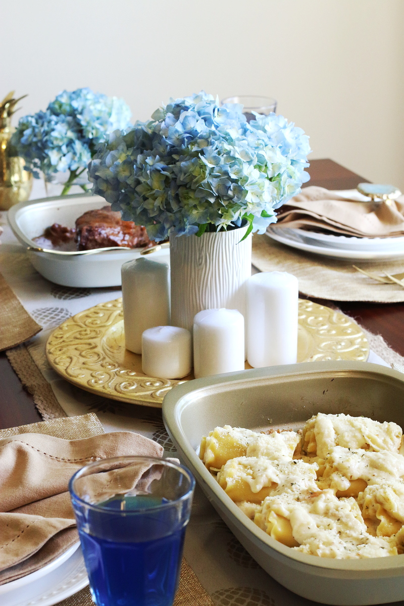 blue-gold-holiday-tablescape-12
