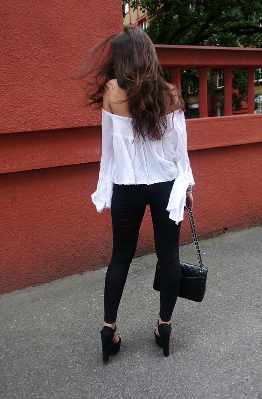 offshoulder top veronikad