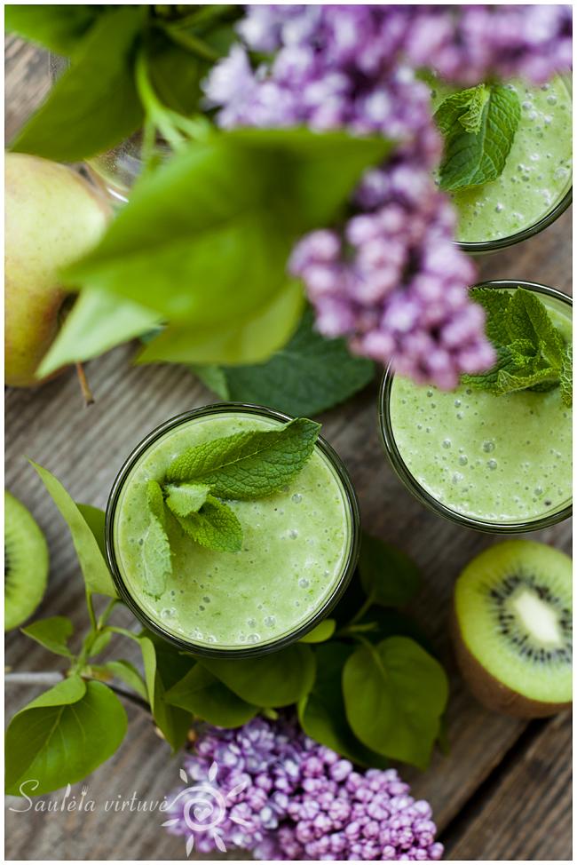 Žaliasis trintų vaisių ir špinatų kokteilis (3)