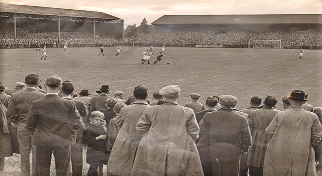 Vintage picture of Bournemouth fans at Dean Court