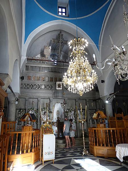 dans l'église d'apiranthos
