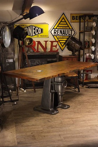Table pied fonte ancien plateau porte de prison ancienne flickr - Grande table ancienne ...