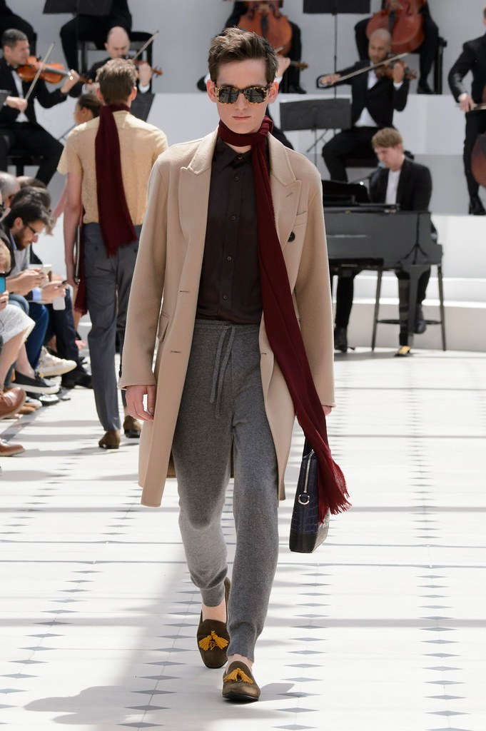 SS16 London Burberry Prorsum027_Sebastian Brice(fashionising.com)