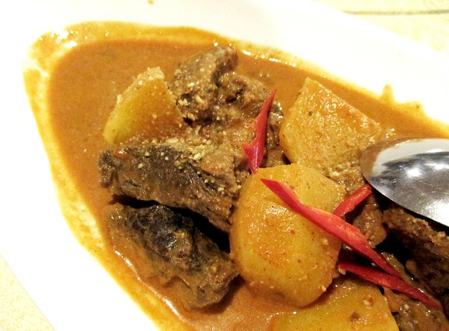 Flavours massaman beef curry