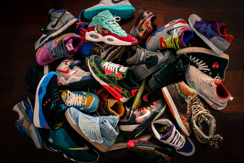 A lot of sneaker news ... a51012b1b