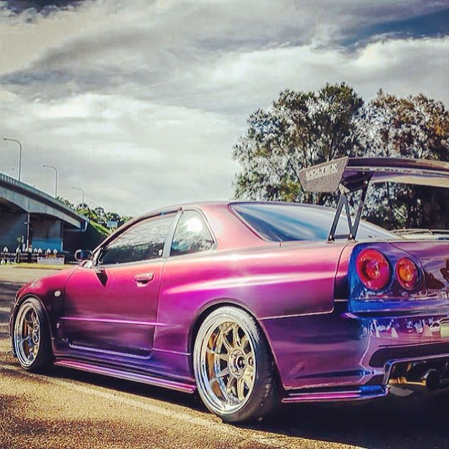 another gorgeous nissan skyline r34 gtr twotone nissan. Black Bedroom Furniture Sets. Home Design Ideas