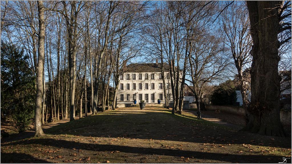 Vileneuve sur Yonne 30524633153_4bc76a6325_b