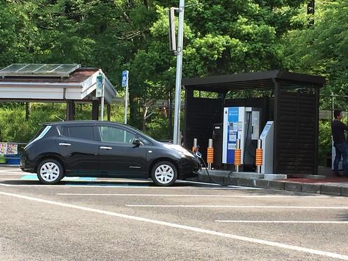 賤ヶ岳SA上り電気自動車(EV)用急速充電器