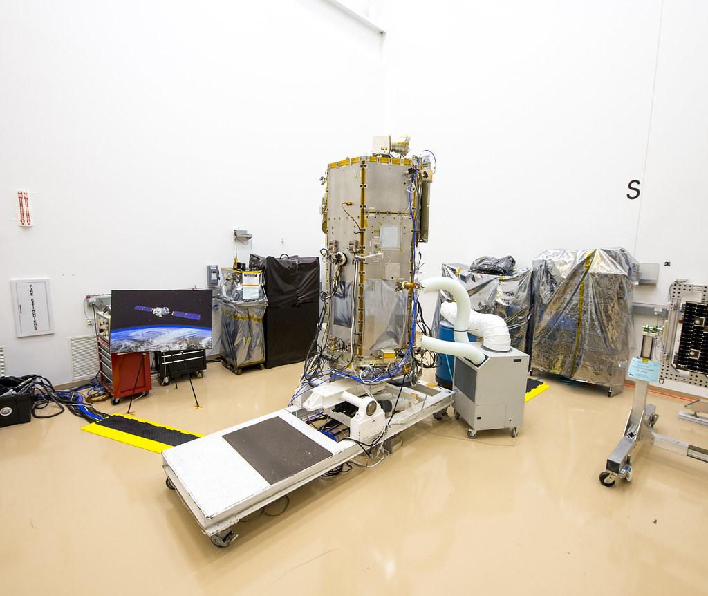 NASA Administrator Views OCO-2 Satellite (201308090004HQ ...