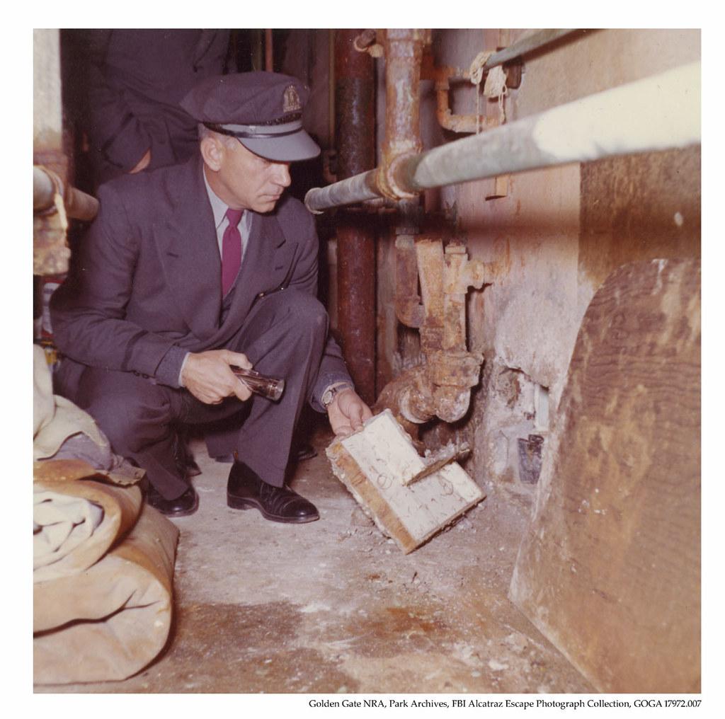 Inside Alcatraz The Hole GOGA 17972-007 FBI Alc...