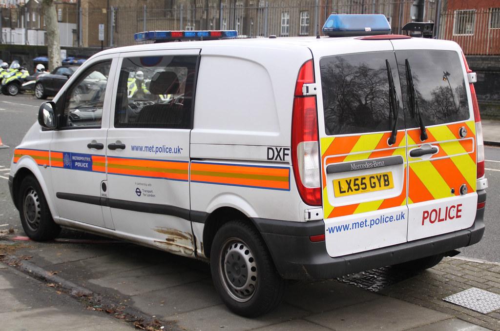 Metropolitan Police - Mercedes Vito Safer Transport Comman ...