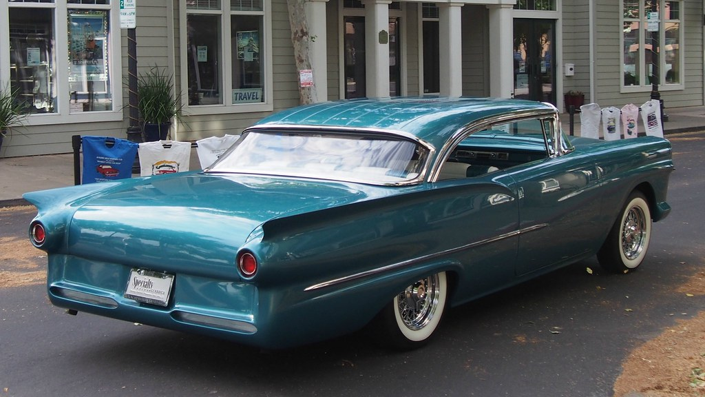 1957 Ford Fairlane (Custom) 3 | Photographed at the 30th ...