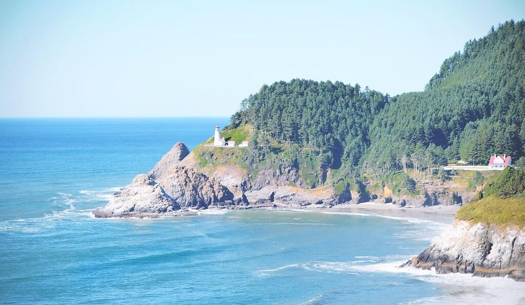 Oregon Coast near Depoe Bay | via It's Travel O'Clock