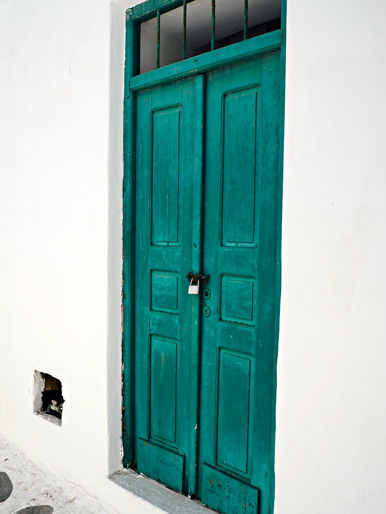 Mykonos green door