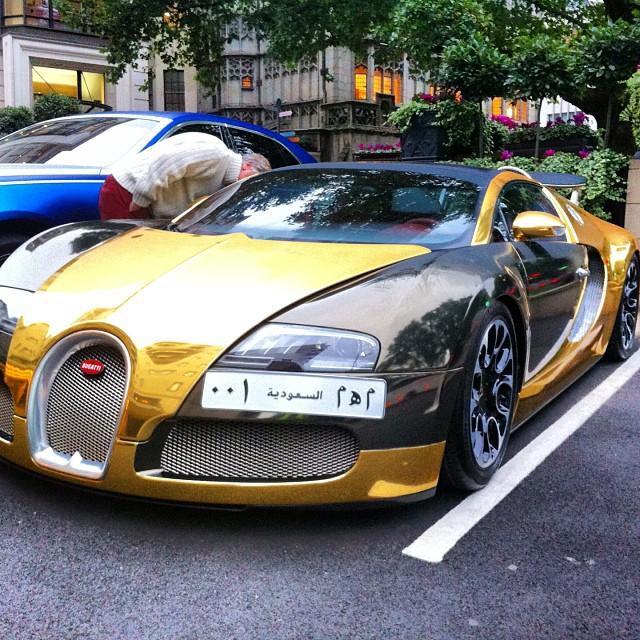 Bugatti Supercar: #bugatti #veyron #gold #supercars #london #special