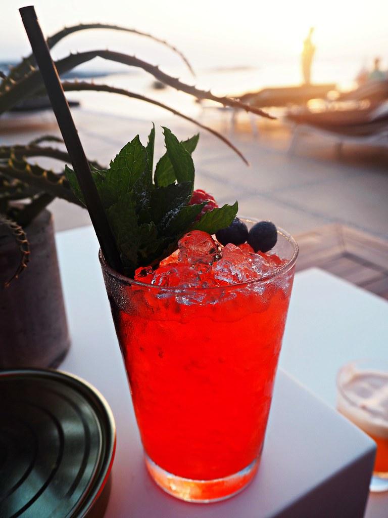 Bill & Coo suites mykonos sunset cocktails 6