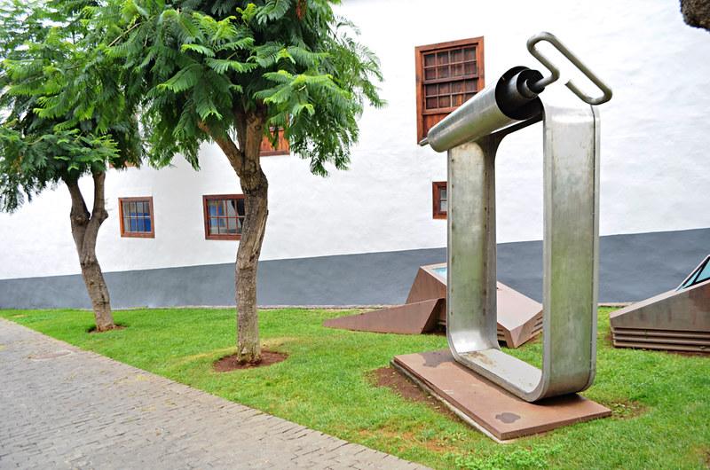 Oscar Dominguez can Tacoronte, Tenerife