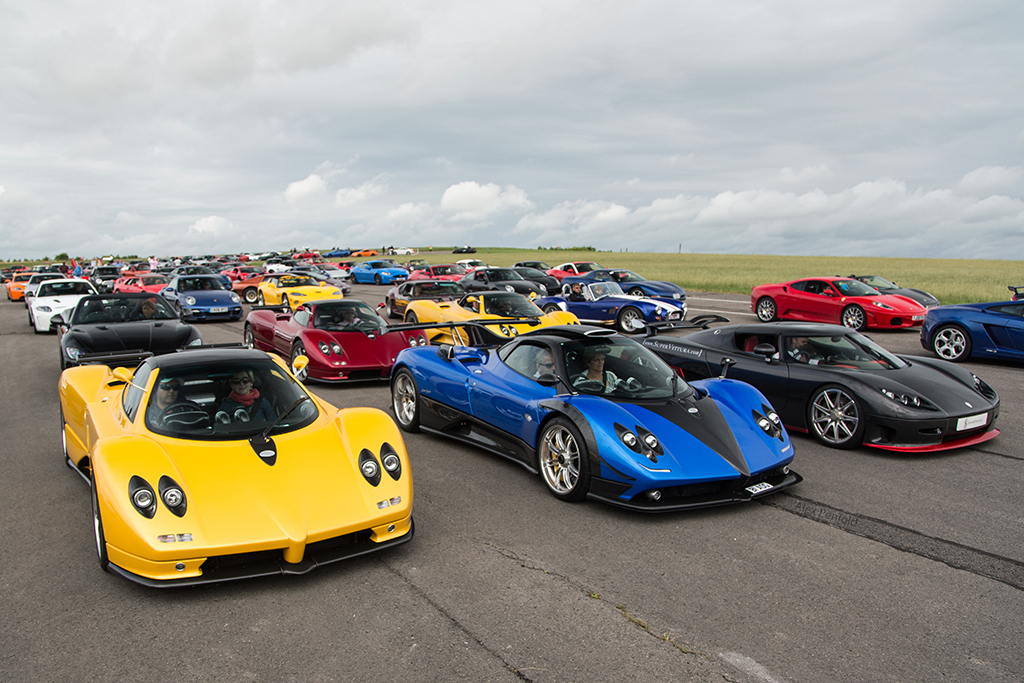 a lot of cars at the airfield before wilton house alex penfold flickr. Black Bedroom Furniture Sets. Home Design Ideas
