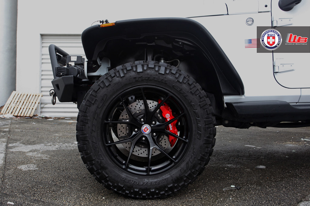 D C Fc B on Jeep Grand Cherokee Back Up Camera