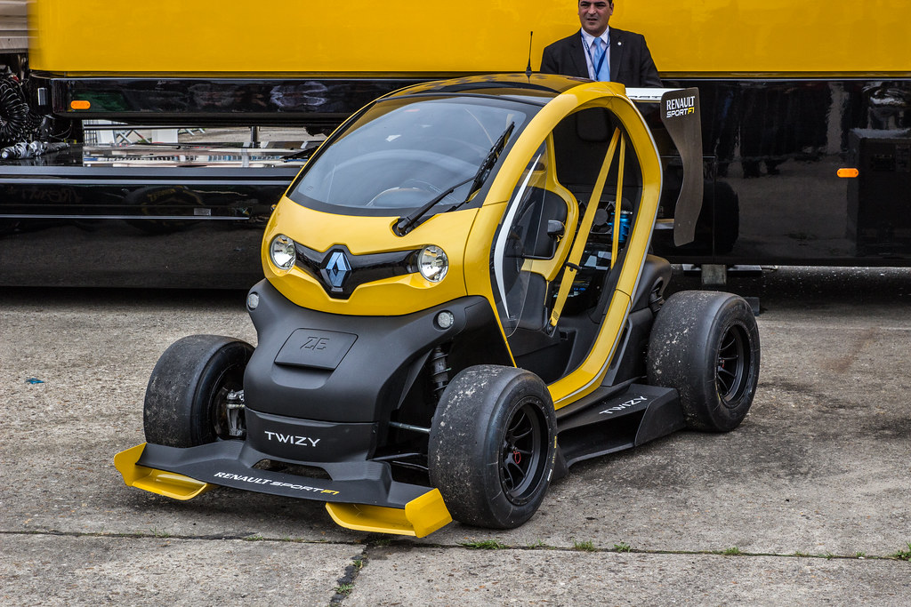 renault twizy sport f1 paris air show 2013 iain mclauchlan flickr. Black Bedroom Furniture Sets. Home Design Ideas