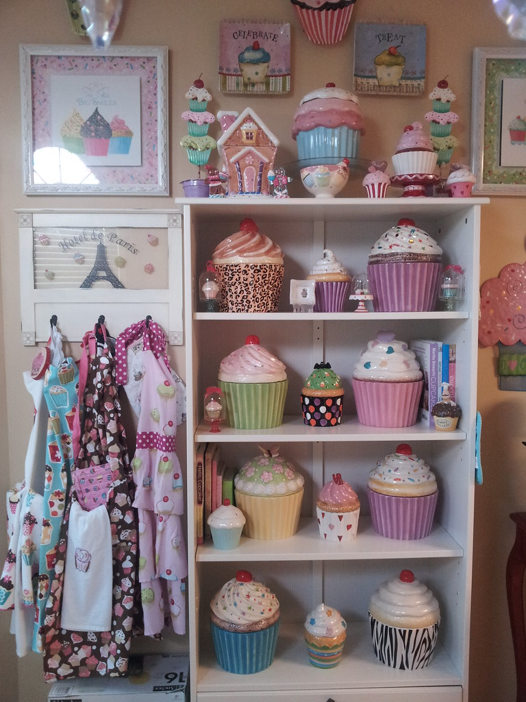 cupcake kitchen accessories decor davids jars came today so happy davids cookie jars 6323