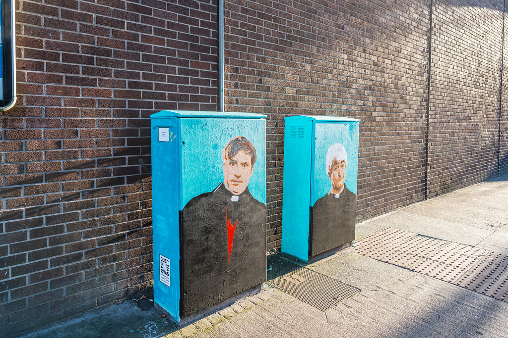 STREET ART TRIBUTE TO FATHER TED AND FATHER DOUGAL [DUBLIN CANVAS PAINT-A-BOX]-122930