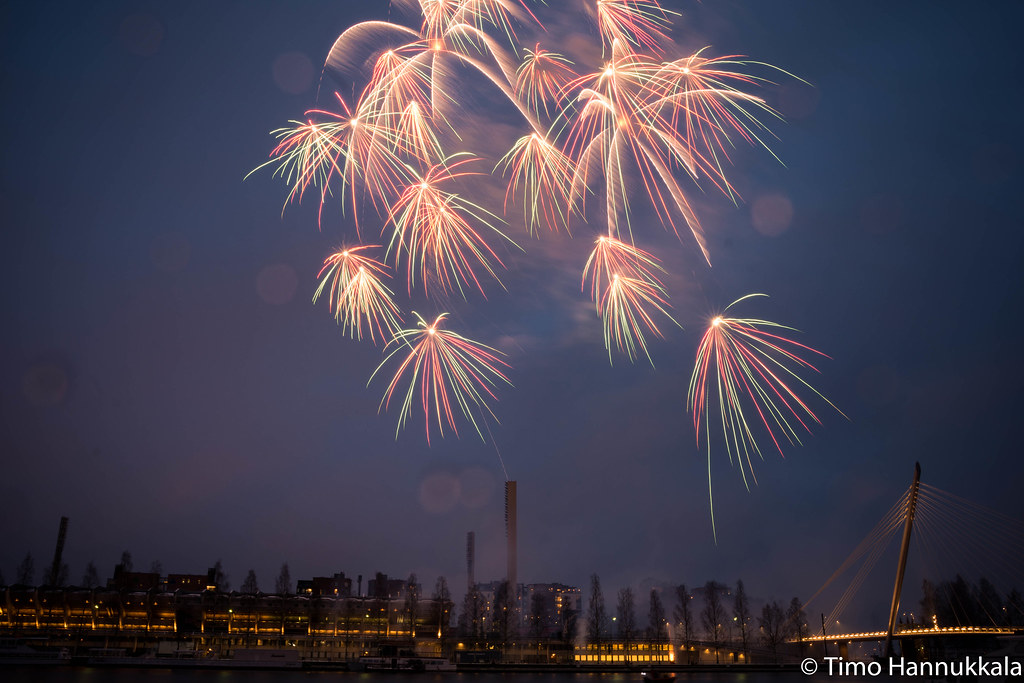Fireworks at Independence day of Finland @ Tampere, 2013 | Flickr