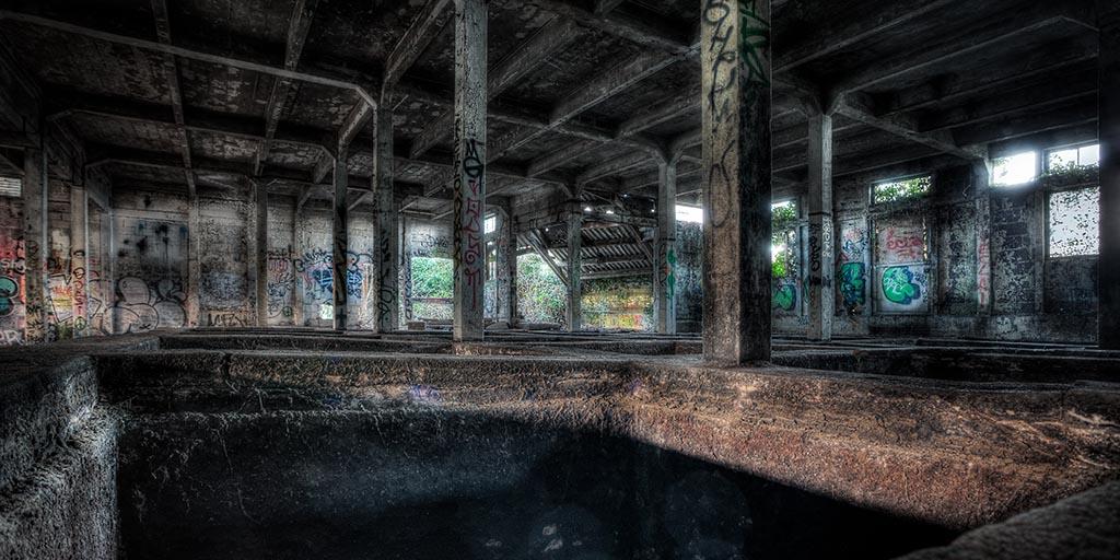 La vieille usine desaffect e fla grande salle des bacs for Usine desaffectee exterieur