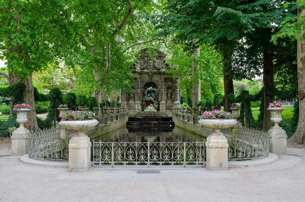 La fontaine m dicis jardin du luxembourg paris medici for Au jardin paris