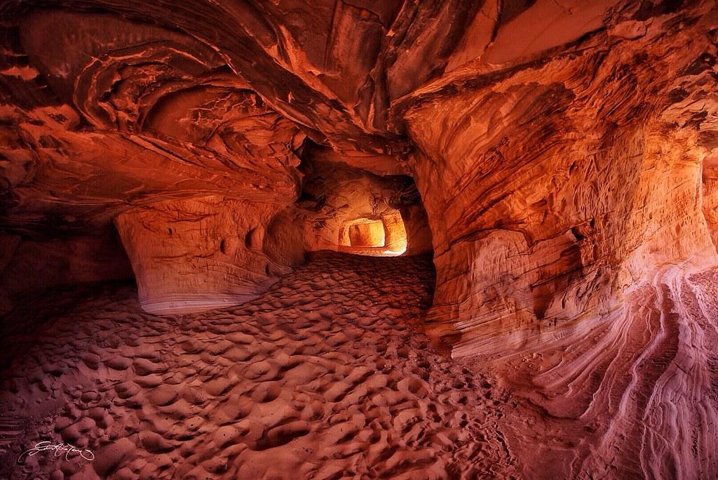 Sandstone caves. Kanab, Utah | Dustin Lefevre | Flickr