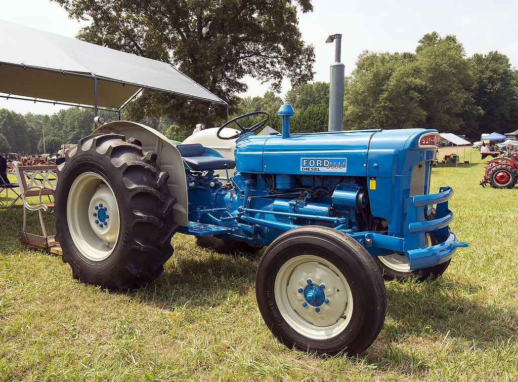ford 2000 super dexta at dacusville farm days in