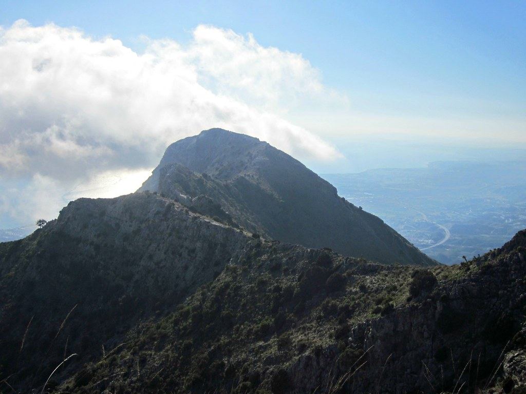 Hiking in Sierra Blanca: Challenging Pico de la Concha | Live now – dream later travel blog