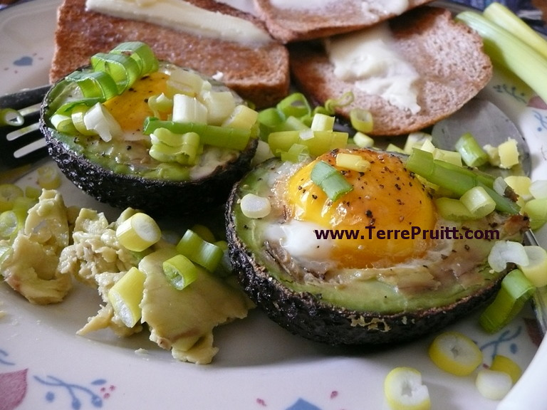 Avocado Eggs, avocado, avocado eggs, baked breakfast, baked eggs, easy breakfast, egg breakfast, Facebook, good fat, pico de gallo, quick breakfast, unique fat