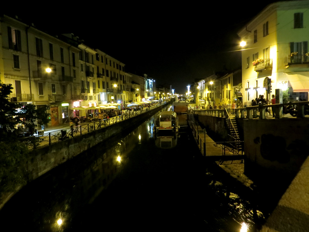 Navigli District  Milán