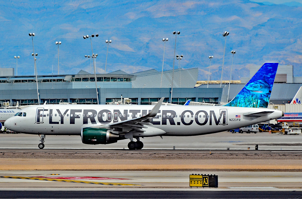 N220fr Frontier Airlines 2013 Airbus A320 214 Cn 5661 Flickr