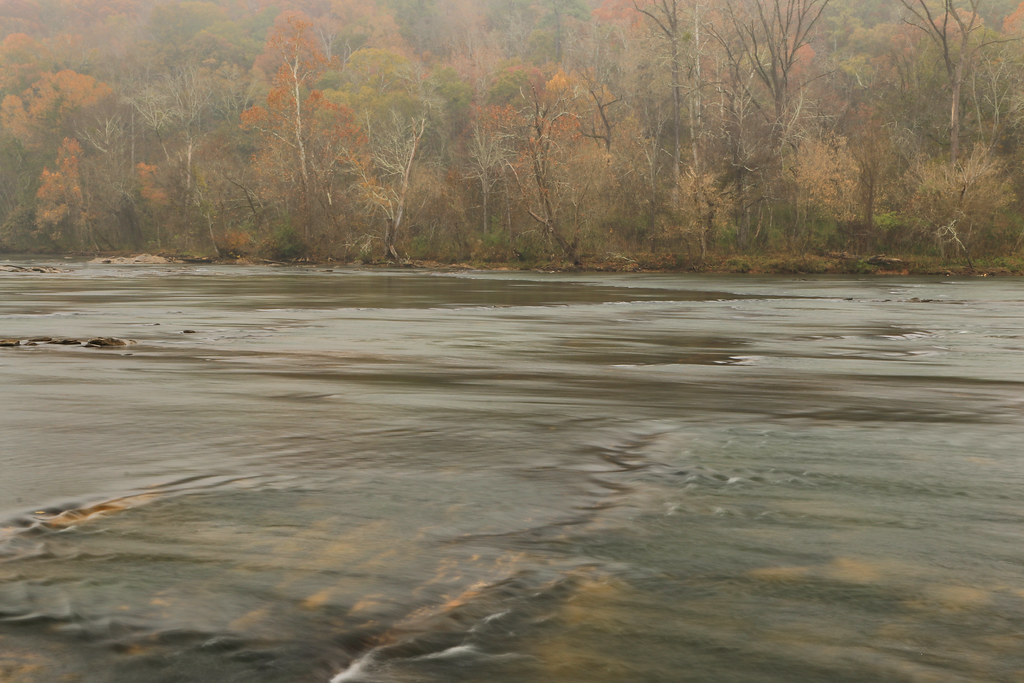 Prehistoric fish weir chattahoochee river cochran shoals for Cochran shoals