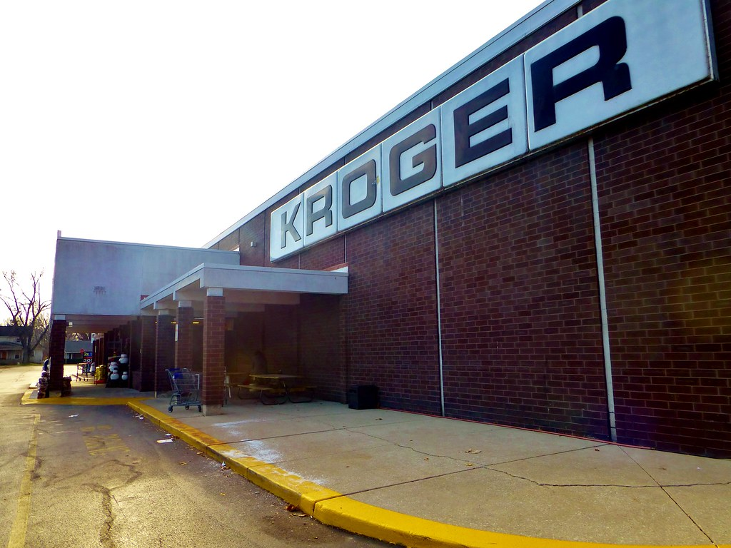 Old school kroger this store opened in 1978 and has gone flickr - Kroger mobel essen ...