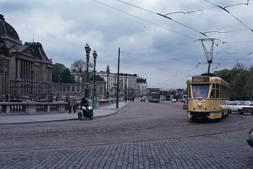 1983-05 Place des Palais, Bruxelles