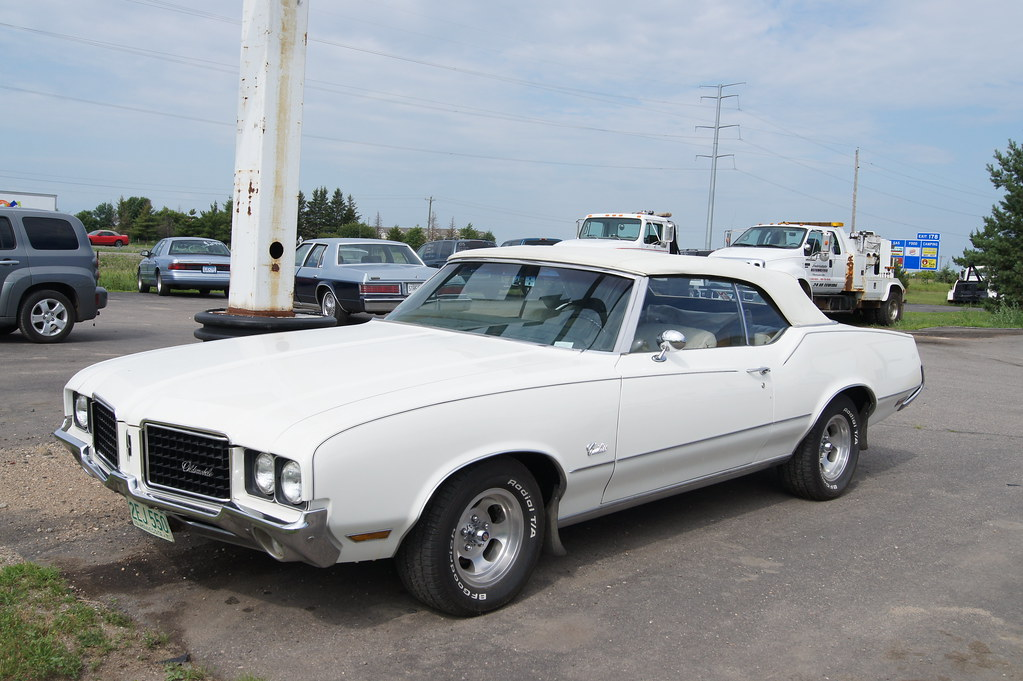 Walter White Chrysler >> 72 Oldsmobile Cutlass | Sightings along the way back from th… | Flickr