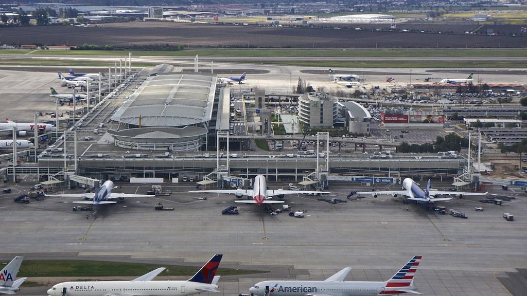 Scl santiago de chile international airport aeropuerto for Marmolerias en santiago de chile