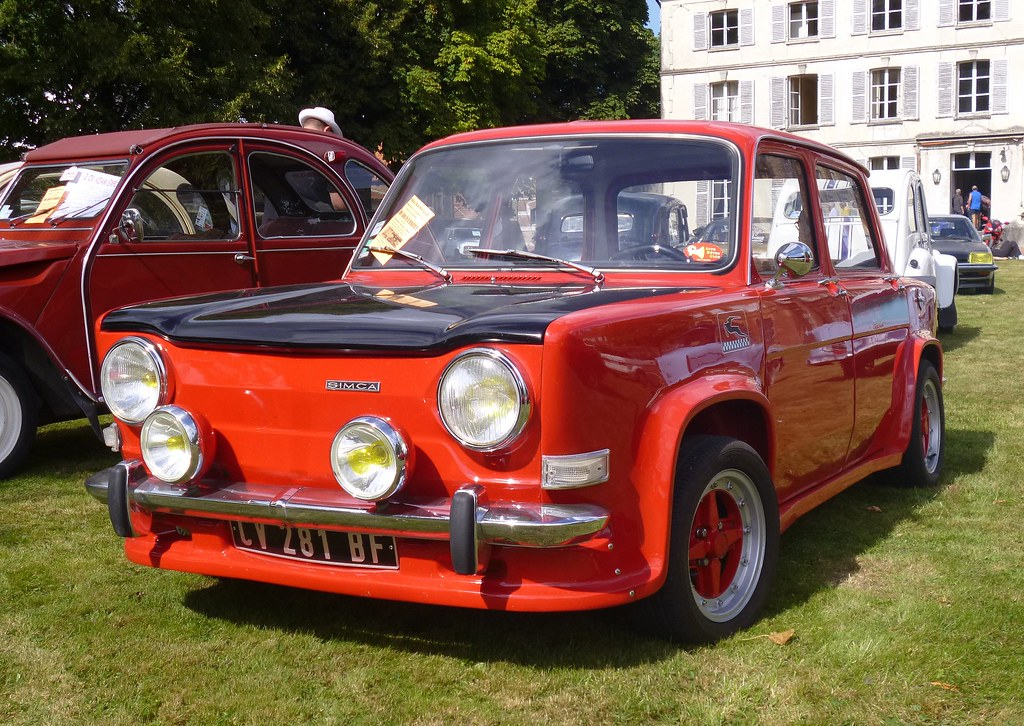 simca rallye 2 rouge rassemblement de voitures anciennes flickr. Black Bedroom Furniture Sets. Home Design Ideas