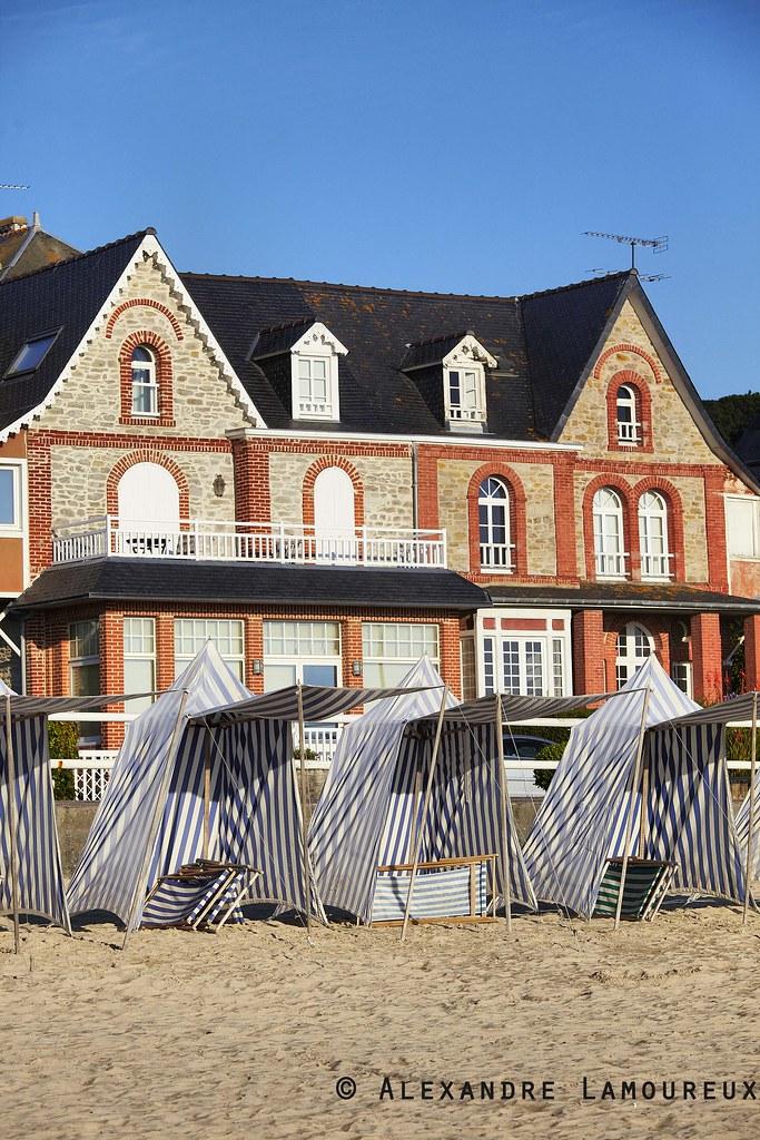 Les tentes de plage de st cast le guildo la grande plage - Office de tourisme saint cast le guildo ...