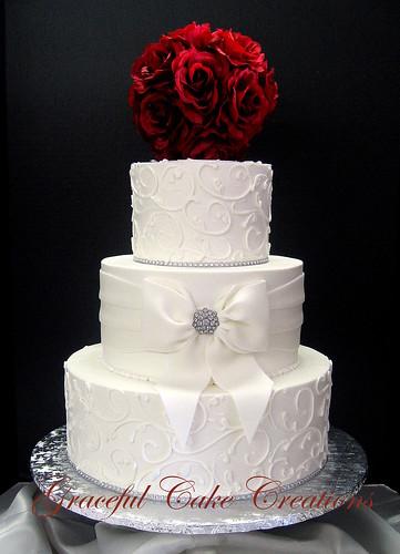wedding cakes with fondant bows